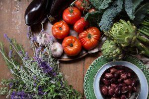 Cover-Shot-Mediterraean-Eating