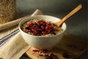 zucchini porridge with goji berries